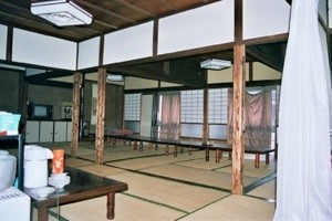 La salle à manger à l'étage à Narita, Un autre enseignement de Hatsumi Sensei,  hatsumi, hombu dojo, bujinkan, bujinkan paris, ninja, ninjutsu, kunoichi